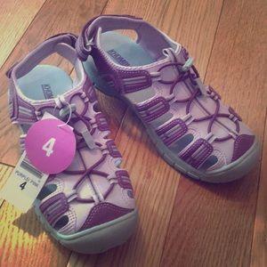 NWOT Khombu girls sneaker sandals.